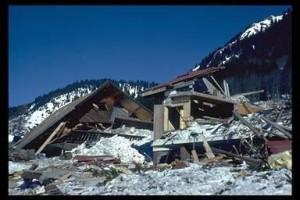 Analyser 47 ans d'avalanches pour prévenir les risques futurs